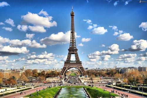 Faire appel à des chasseurs immobiliers pour trouver une maison à Paris